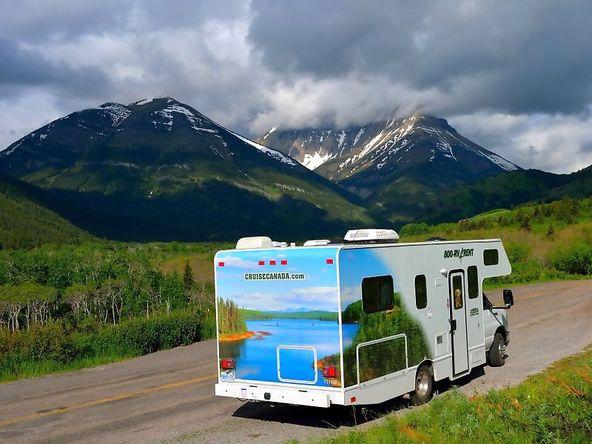 Cruise Canada camper