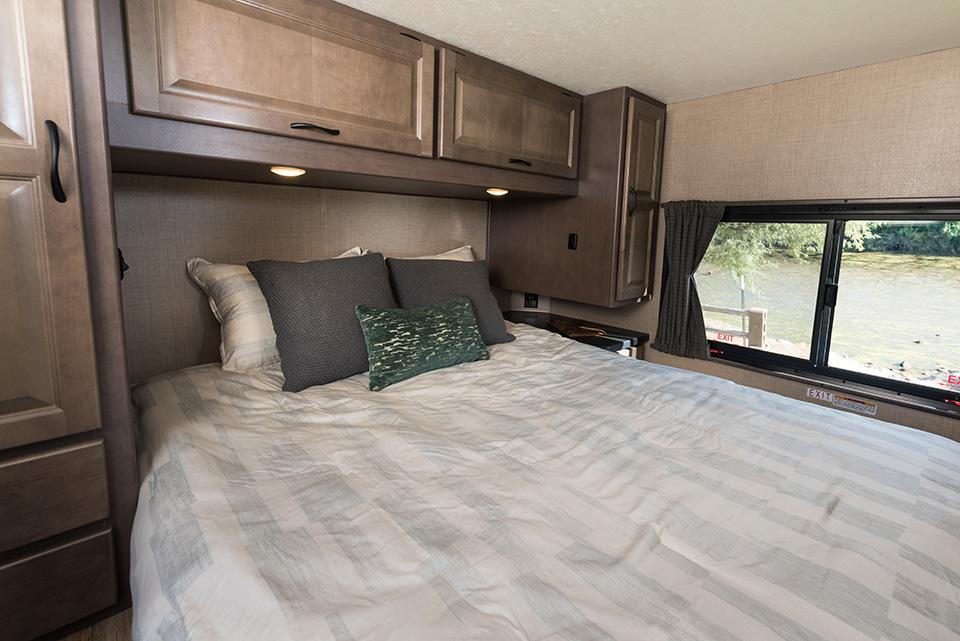 Cruise Canada C30 slaapkamer