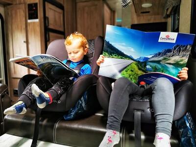 Kinderstoelen in CanaDream camper